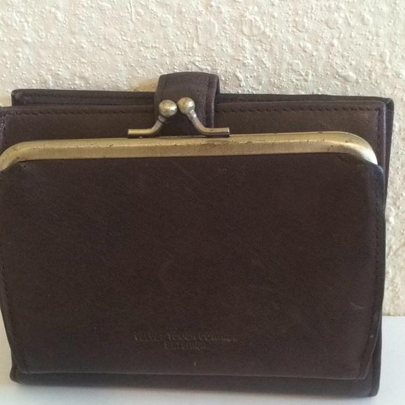 Buxton Handbags - Vintage Buxton leather kisslock wallet brown